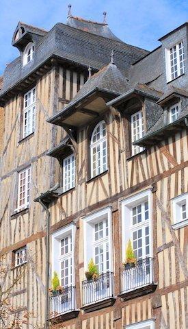 Pans de bois place des lices à Rennes