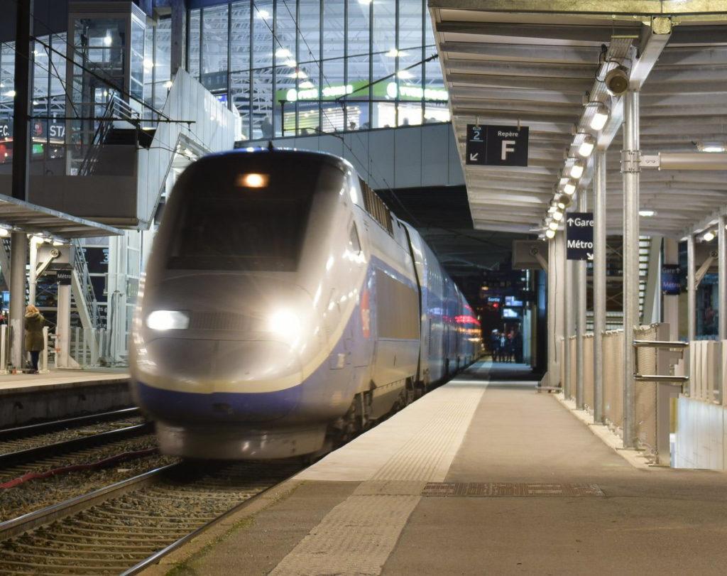TGV dans la gare de Rennes